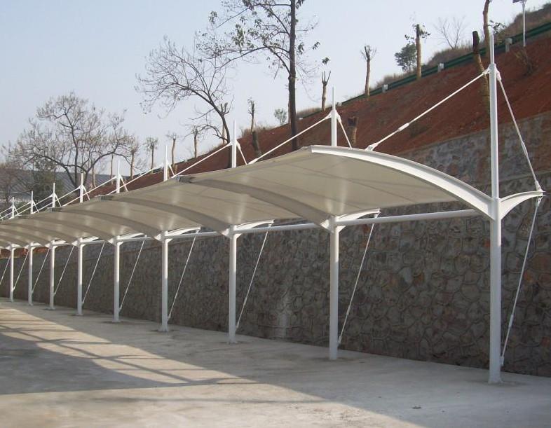上海户外遮阳篷 遮阳伞 伸缩雨篷 阳光板雨棚 膜结构车棚首选港傲