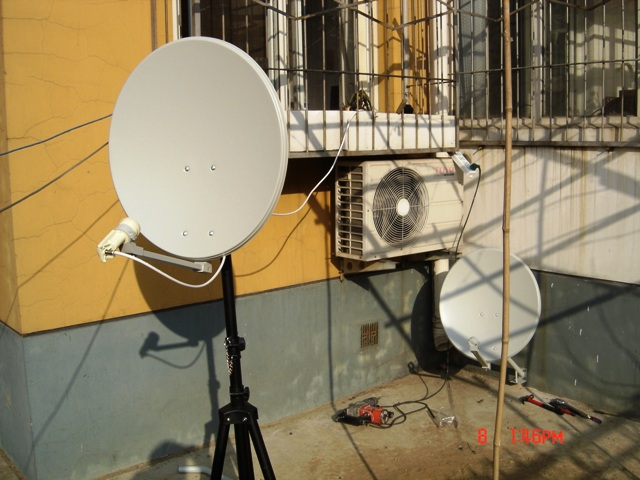 小锅盖自己安装方法_小锅卫星天线的安装调试-中星9号卫星天线小锅的高频头的调试