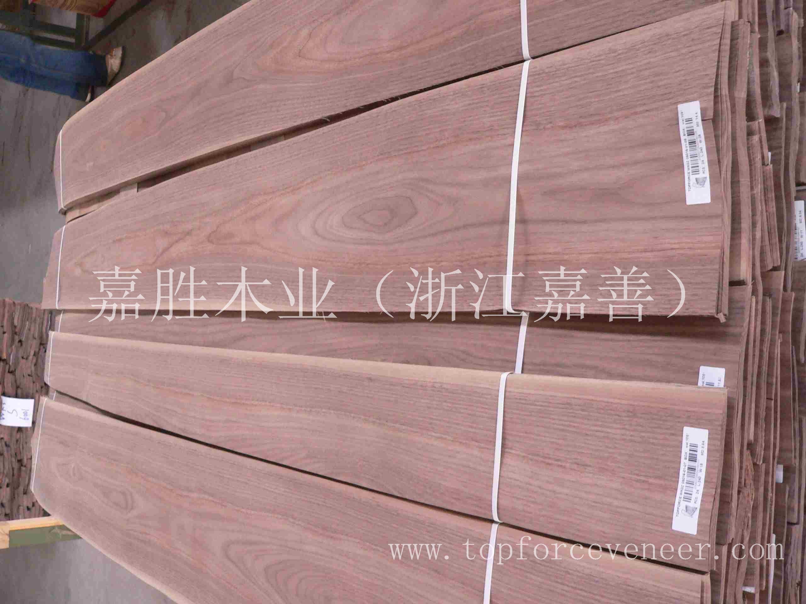 浙江黑胡桃大花山纹 ZheJiang Walnut Wild Crown Cut Plain Cut Veneer