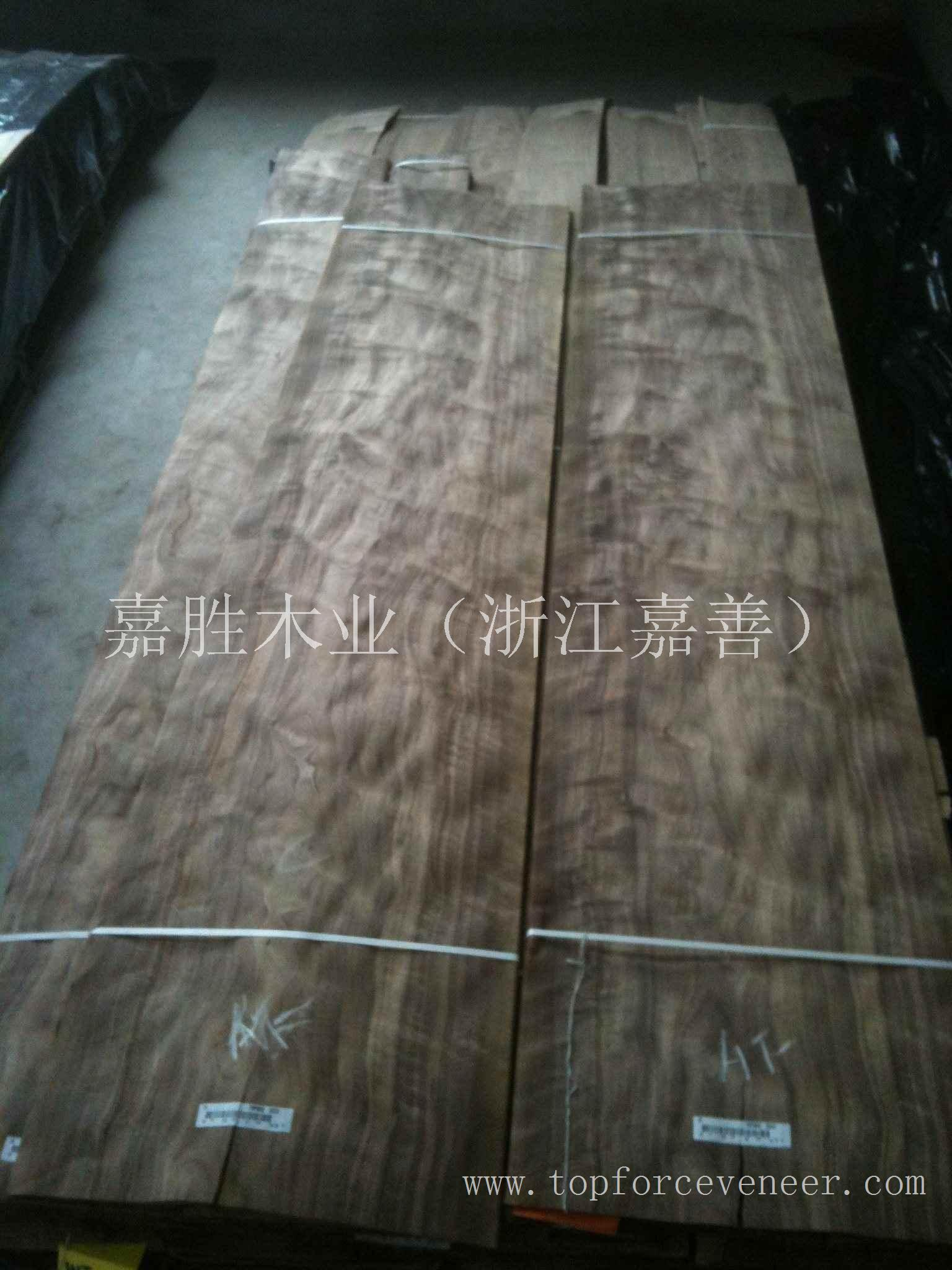 浙江黑胡桃强影家具级木皮 ZheJiang American Walnut Strong Figure Furniture Grade Veneer