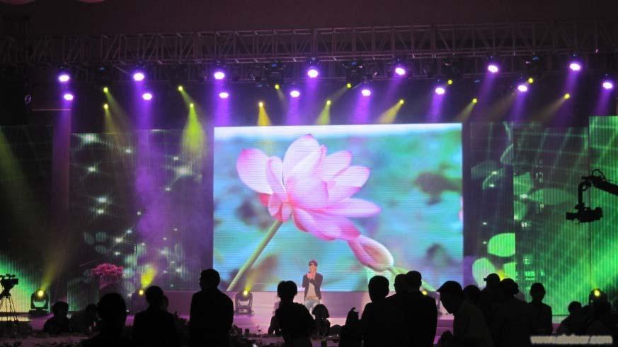 上海双色户外led显示屏最佳视角