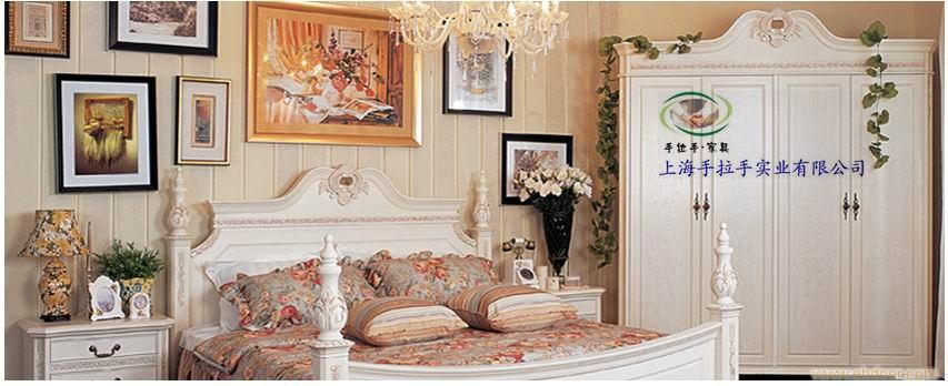 品欧式家具 享贵式生活 新古典家具,给人的感觉就是高贵典雅的豪宅家具。它可分为欧式新古典和美式新古典,其中欧式新古典主要包括巴洛克 、洛可可 、新古典等风格。巴洛克比较男性化,代表强悍的王权;洛可可则柔媚婉约,极具女性的...