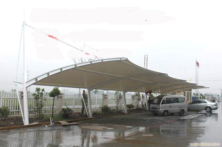 上海彩旗膜结构从事膜结构工程的专业公司.