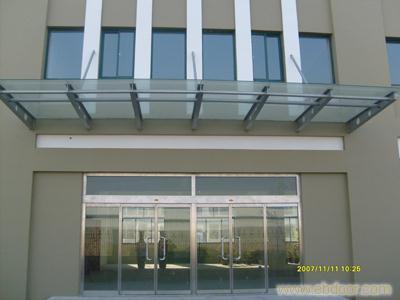 c型钢,钢结构平台,彩钢板,钢结构玻璃雨棚大.