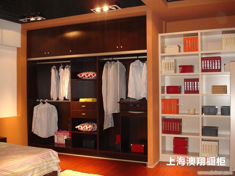 衣柜 E1级三聚氢氨刨花板 -上海定制衣柜公司