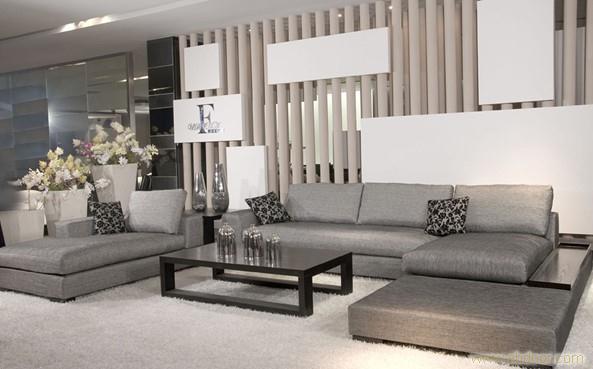 现在布艺沙发通常为可拆卸沙发