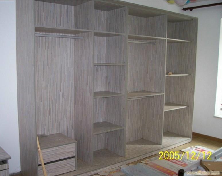 衣柜 E1级三聚氢氨刨花板 -上海定制衣柜