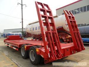 半挂车\上海低平板挂车-68066339