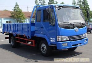 上海解放6.75米赛龙载货汽车-68066339