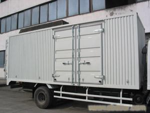 五十铃牌4米2厢式货车
