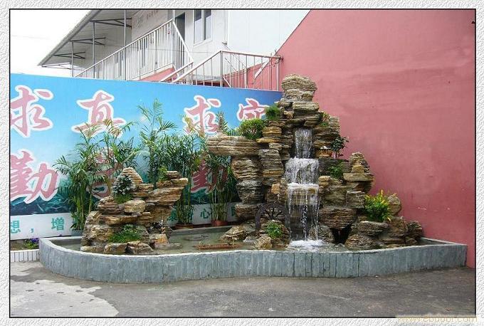 阳台假山鱼池图片