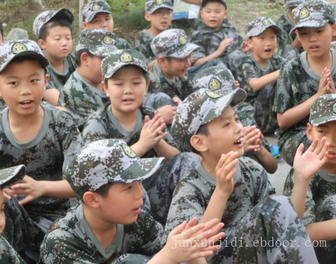选上海西点少年军事冬令营小学生军事冬令营做社会特种兵