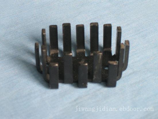叉齿型散热器