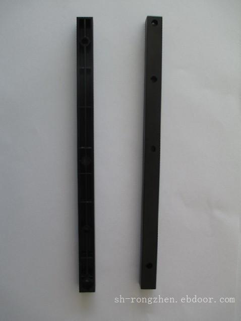 200机型电焊机竖梁