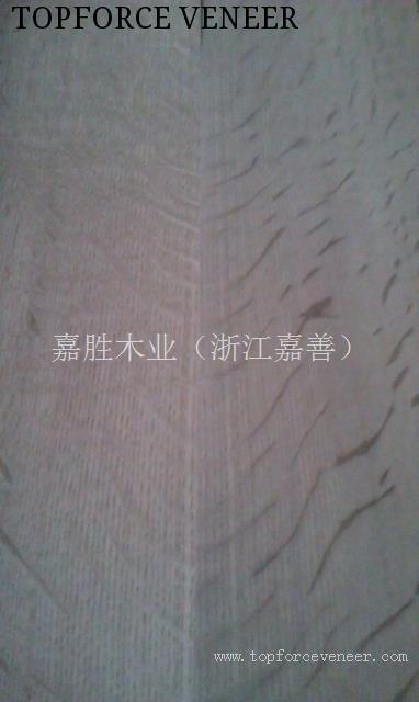 银白橡虎斑V形木饰面 Silver White Oak Flaks With Book Match