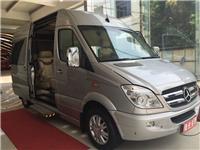 新款奔驰商务房车5.9米长