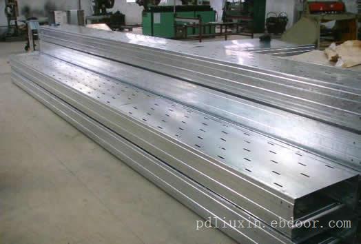 镀锌托盘式桥架上海奈格桥架厂家出售
