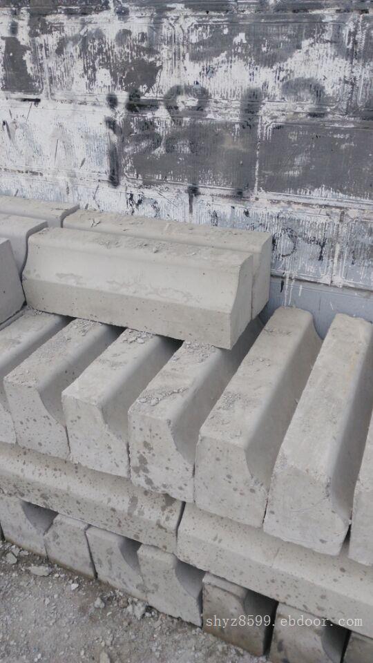 水泥隔离墩价格_上海交通水泥隔离墩