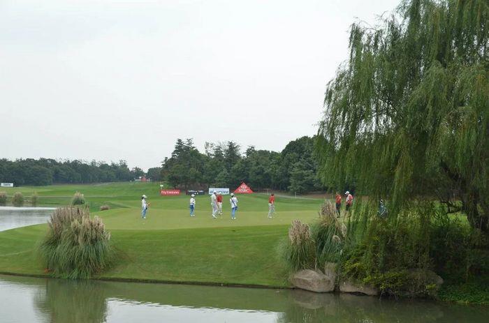 上海交大海外金融高尔夫俱乐部