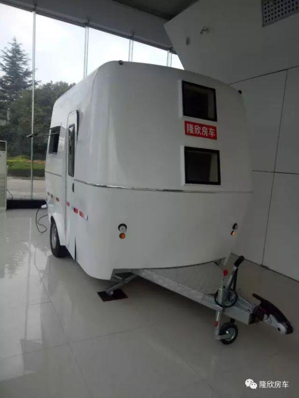 拖挂式房车