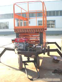 柴油机动力液压升降机