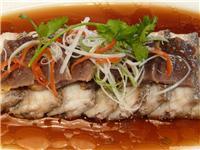豉汁咸肉蒸带鱼