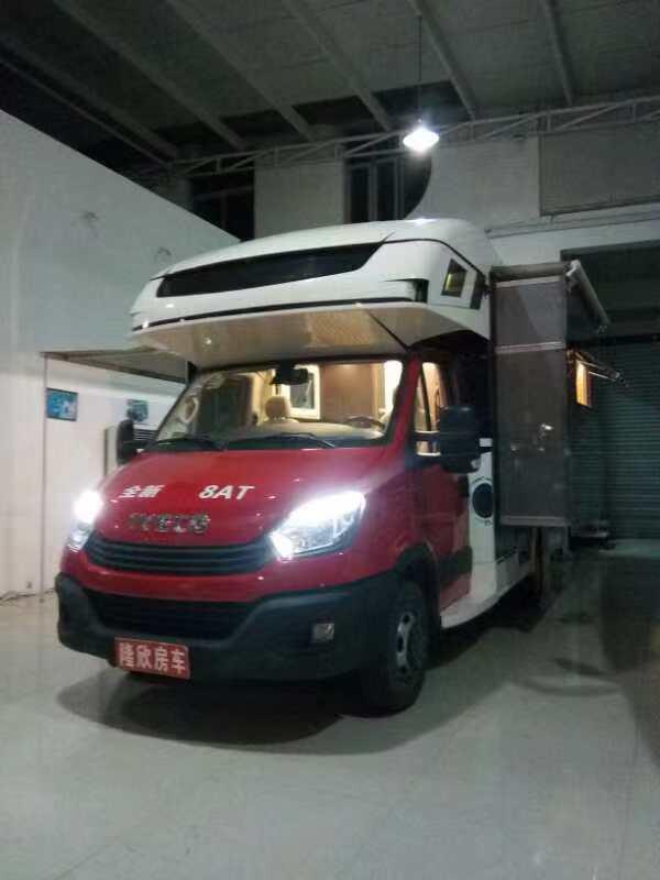 2019最新豪华版依维柯旅居房车已重磅登陆上海隆欣