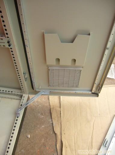 上海妍晨电器-上海PLC机柜内部