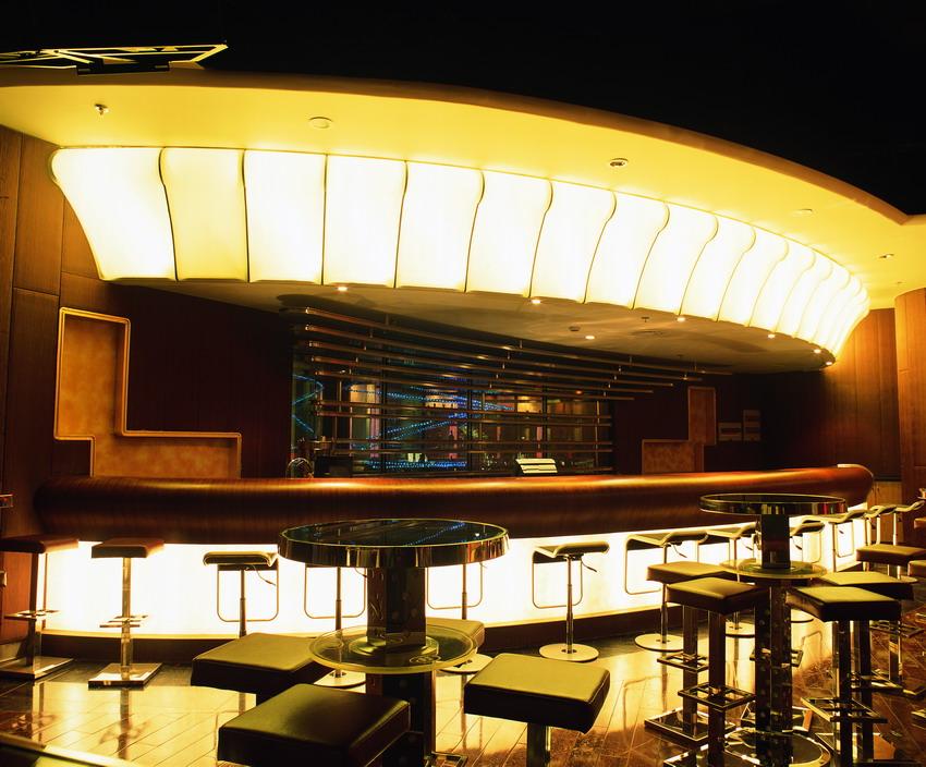 酒吧吧台透光软膜案例