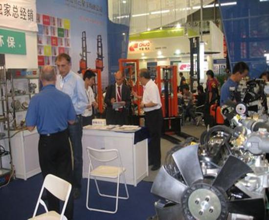 2009年OEM厂家领导兹临我公司展位7