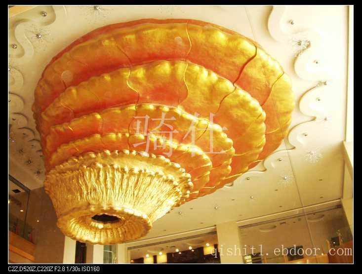 天花装饰打金箔