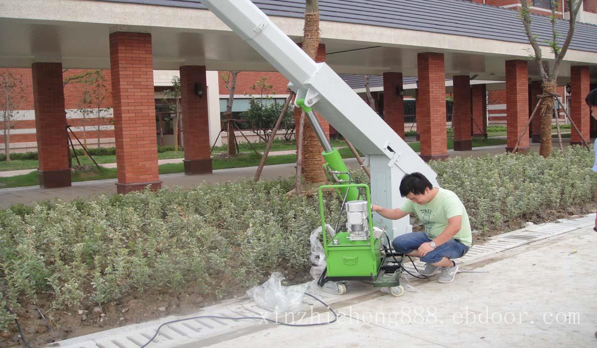 可倾式路灯安装施工