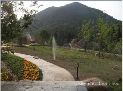 别墅度假村喷灌技术