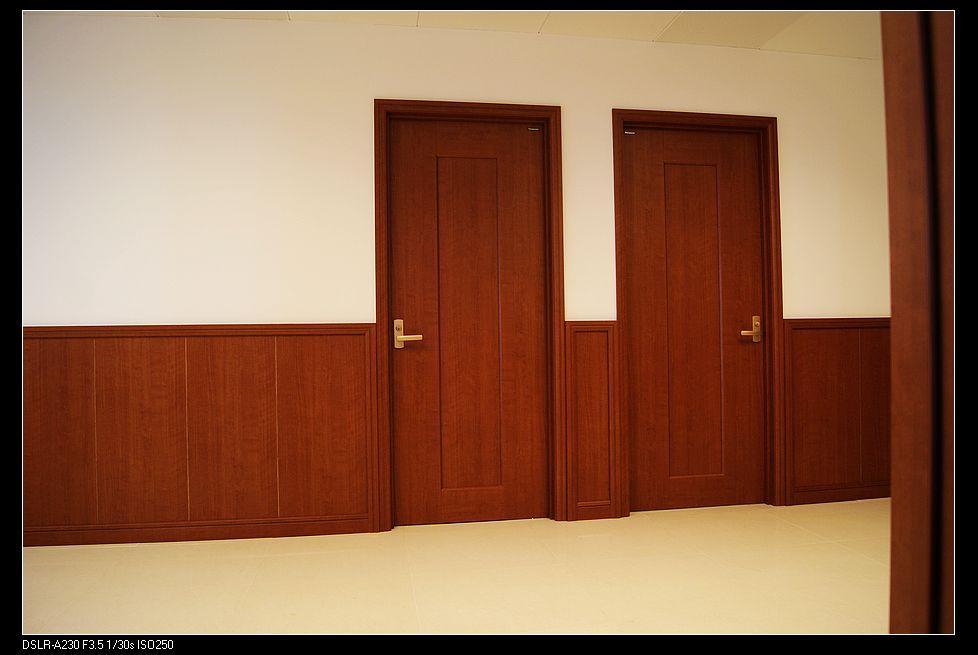 第一步:细木工板的基础制作 第二步:松下装饰板背面根据实际墙体厚度